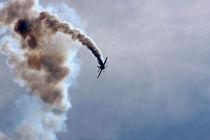 Smoke trails 1 von Steve Ball