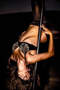 Dance Photography - B.A.D. Pole Dancing in a Quarry 06 von bornadancer