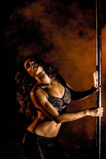 Dance Photography - B.A.D. Pole Dancing in a Quarry 02 von bornadancer