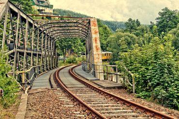 Stillgelegte-bahnstrecke-gruenthal-im-erzgebirge
