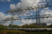 Power poles over graffiti von atari-frosch