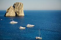 Faraglioni, Capri von Tania Lerro