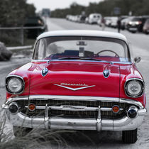 57 Chevy at the Beach von Edward  Fielding