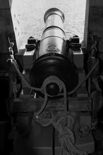 Canon on a tall ship - monochrome by Intensivelight Panorama-Edition