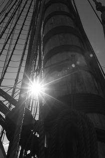 Sun and looming mast by Intensivelight Panorama-Edition