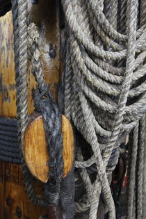 Coiled ropes and mast von Intensivelight Panorama-Edition