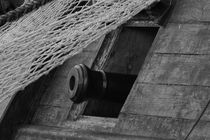 Canon hatch on a tall ship - monochrome von Intensivelight Panorama-Edition