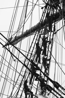 Crew on a tall ship - monochrome by Intensivelight Panorama-Edition