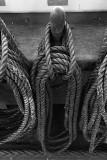 Belaying pins on a tall ship with tied ropes by Intensivelight Panorama-Edition