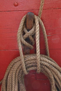 Ropes tied around a belaying pin by Intensivelight Panorama-Edition