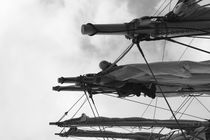 Sailor loosening sails - monochrome by Intensivelight Panorama-Edition