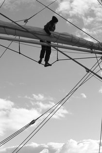 Mariner working high in the rigging - monochrome by Intensivelight Panorama-Edition