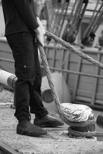 Sailor holding a rope von Intensivelight Panorama-Edition