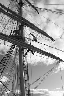 Sailor working high in the rigging - monochrome by Intensivelight Panorama-Edition