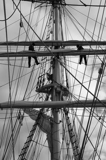 Two sailors working in the rigging - monochrome by Intensivelight Panorama-Edition