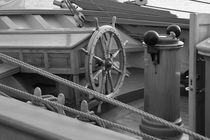 Ship's wheel - monochrome by Intensivelight Panorama-Edition