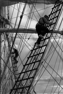 Two sailors climbing - monochrome by Intensivelight Panorama-Edition
