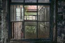 Through 4 Panes Of Glass von Russ Dixon