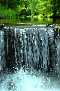 Wasser sucht sich den Weg by Kathrin Battenstein