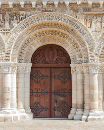 Portal of Notre-Dame la Grande by safaribears
