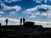 Hikers in Silhouette von Jim DeLillo