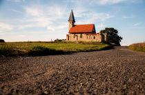 Kapelle am Wegesrand by Uwe Jäger