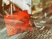 The red bag 1 von Gabi Hampe