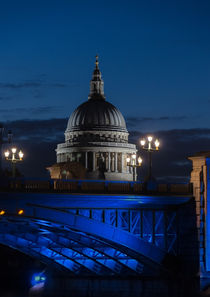 The Dome of St Pauls Cathedral by John Hastings