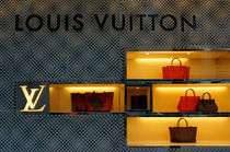 Louis Vuitton Handbags von John Mitchell