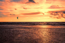 Kitesurfing At The Sunset von Roger Green