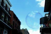 Bubbles in the Street von Dan Richards