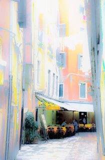 Poster Gasse in Venedig mit Restaurant, Variante 2 von Doris Krüger