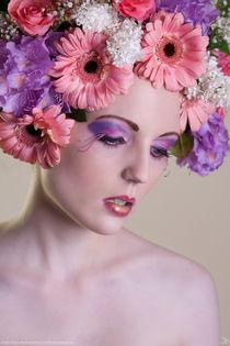 Flowers I von Kiara Black