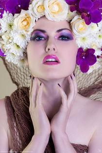 Flowers III von Kiara Black