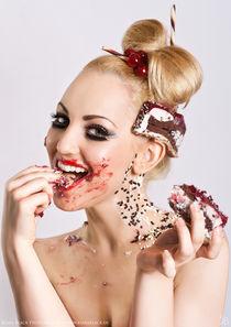 Cherry straciatella cake von Kiara Black