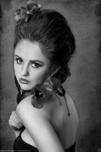Elena von Kiara Black