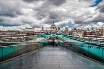 London St. Paul's Cathedral II - Rush Hour at Millennium Bridge von elbvue von elbvue