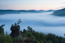"""Der """"Runde Hut"""" über dem Nebelmeer"""
