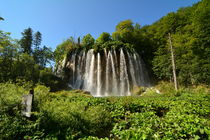 Kroatien, Plitvice: Großer oberer Wasserfall by Mark Gassner