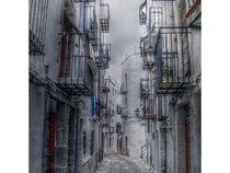 Gasse in Spanischem Dorf von Mike Huber