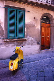 Classically Italian Vespa Scooter von Moorstone Images