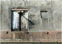 Ladefenster am Kanal von Ariane Gramelspacher