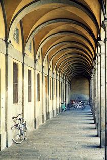Bikes Under Porch von Valentino Visentini