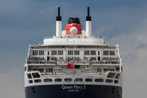 Heck der Queen Mary 2  von Jan Adenbeck