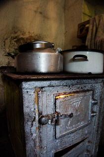 Ofen mit Töpfen von framboise