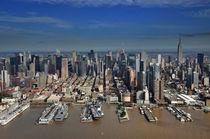 New York, Luftaufnahme, Empire State + Chrysler Building +Intrepid Flugzeugträger von Mark Gassner