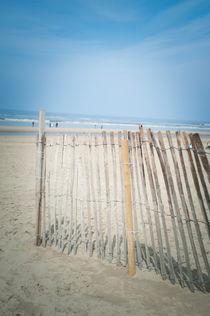 Holzzaun am Strand by Silke Heyer Photographie