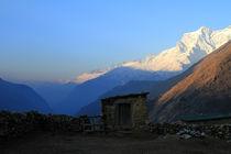 Blick ins Khumbu Tal by Gerhard Albicker