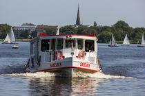 Alsterdampfer auf der Außenalster in Hamburg von ta-views