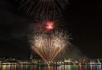 Feuerwerk Alstervergnügen Hamburg by Lars Niebling